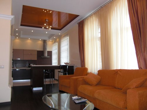 Rent luxury apartment in Kiev at 13 Malaya Zhitomirskaya St.